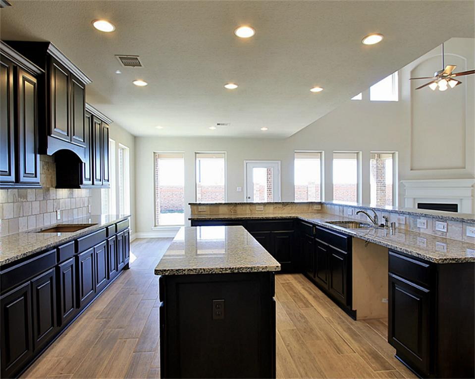 Perry Homes kitchen at Miramesa